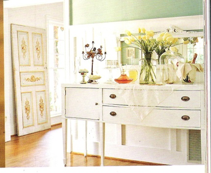 Hepplewhite_buffet_painted_2
